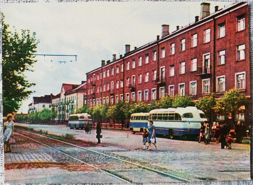Daugavpils 1966. gads. 5. augusta iela 14x10 cm pastkarte