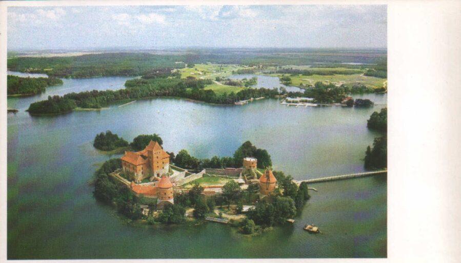 Lietuva. Traķi. 1981. gada pastkarte. Senā Lietuvas Lielhercogistes galvaspilsēta. 16,5x9,5 cm