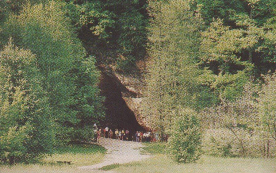 Sigulda 1981. gads Latvijas PSR. Gūtmaņa ala. 14x9 cm.